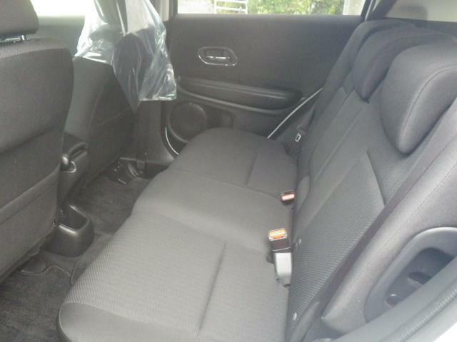 後席シートも使用感ありません。