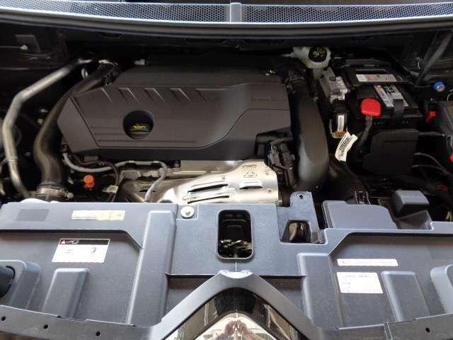 パワーと優れた環境性能を併せ持つ1.6L直列4気筒DOHCツインスクロールターボエンジン。そして、シトロエンで、専門の教育を受けたメカニックが整備いたします。安心して下さい。