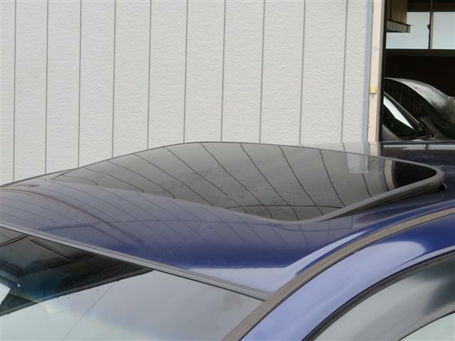 27000Km サンルーフ 純正16インチAW ハーフレザーシート パワーテールゲート ETC HIDヘッドライト フォグランプ キーレス トノカバー 2列目フルフラット サイドバイザー