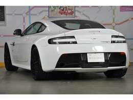 ◆当時レーシングカーや特別な限定車を除き、アストン・マーティン史上最速モデルとされる「V12ヴァンテージS」でございます◆