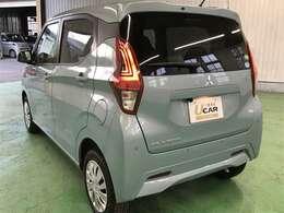 リヤドア・リヤウインドウ・リヤクォーターはUVカット機能付きプライバシーガラスです。