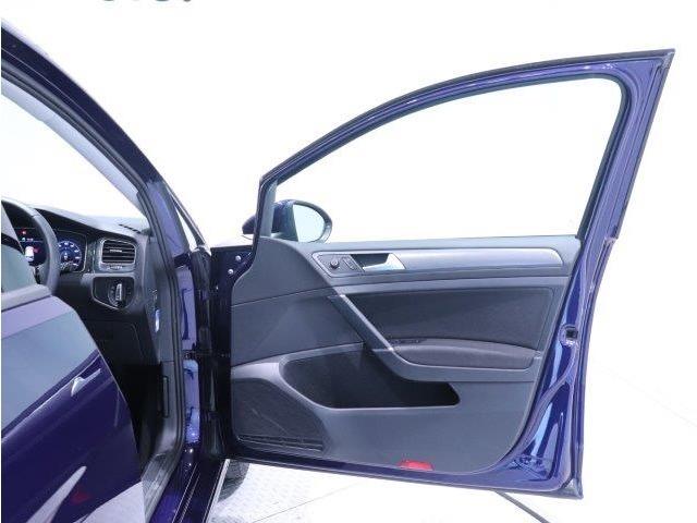 「安全性能は、すべてに優先する」。Volkswagenがいつの時代にも掲げているテーマです。