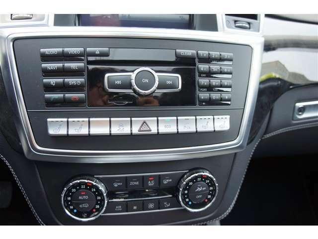 オーディオ、A/C操作パネルも汚れや傷もなく使用感が少ない