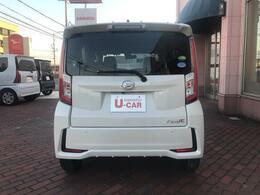 当店は、大浦街道沿いに店を構えております。下取り車を中心に、展示車約30台!!高品質の車を厳選し、展示致しております。