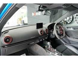 RSデザインパッケージ・アウディマグネティックライド装着車となっています!