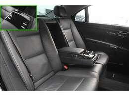 ■ラグジュアリーパッケージを装備しておりますので、後席にはマッサージ機能を装備しております!■シートの状態も綺麗に保たれております!■