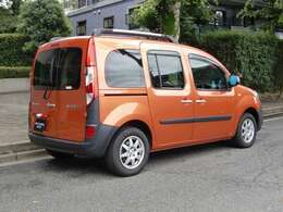 南フランスの街並み風景をイメージした限定車、内外装オレンジな1台です★