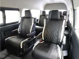全席ファインテックツアラー専用設計シートカバーを装着!