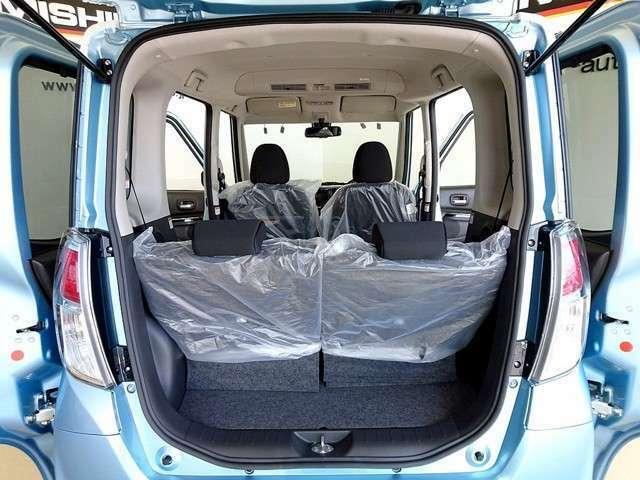 中古自動車販売士の資格を取得している知識・経験豊富なスタッフ達が、お客様に最適な一台をご案内致します。更に本店ジャンボセンターはのお車を展示場内にて試乗も可能です