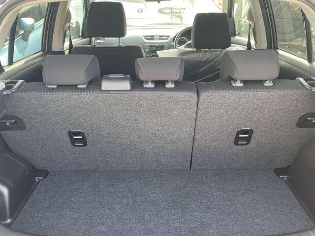 ラゲッジスペースは リヤシートのアレンジで、容量を変えることができます。