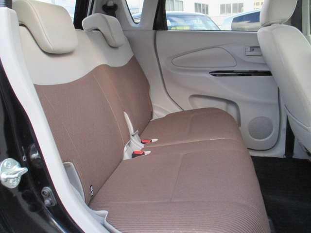 ゆったりのリアシートに座って快適クルージングをお楽しみ下さい
