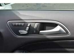運転席と助手席に電動シートとシートヒーターを装備☆