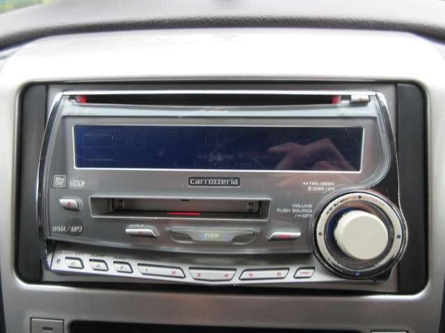 Bプラン画像:社外オーディオが装備されております♪ご希望があればナビの取り付けなども可能ですのでご相談下さい♪