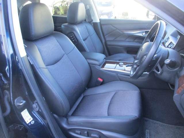 高級感のある車内は、気分も上がりますね!