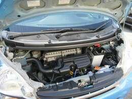 現在の状態をお見せしたいので、エンジンルームの掃除は必要以上には行っておりません。