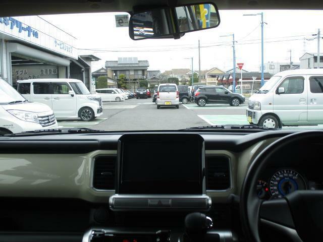 運転席からの視界も良好!初心者の方でも、視点が高いので、運転しやすい!