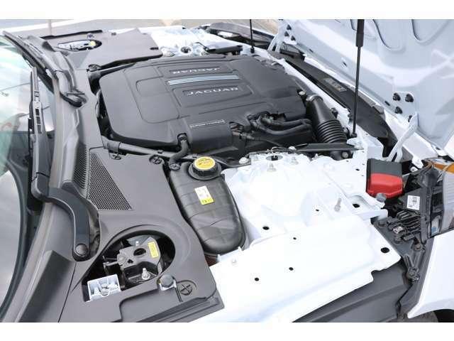 3.0リッターV6スーパーチャージドガソリンエンジン