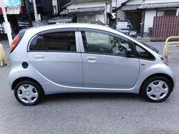 特にキズ、凹みもないきれいな車です。