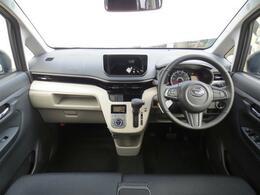 水平基調のシンプルなインパネデザイン☆こちらはオーディオレス車です!純正ナビやお買い得ナビも取り扱っておりますので、お気軽にご相談ください♪