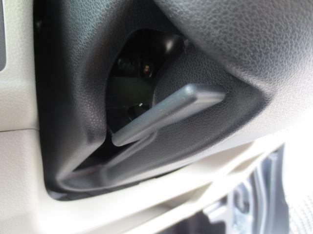 ハンドルの高さが調整できるチルトステアリング機能付きです☆運転姿勢もぴったりフィットしますよ♪