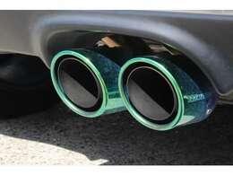 高い排気効率と消音性能を両立した無限スポーツサイレンサー。フィニッシャーはチタン製です、その他部分はステンレス製で、もちろん保安基準適合しております