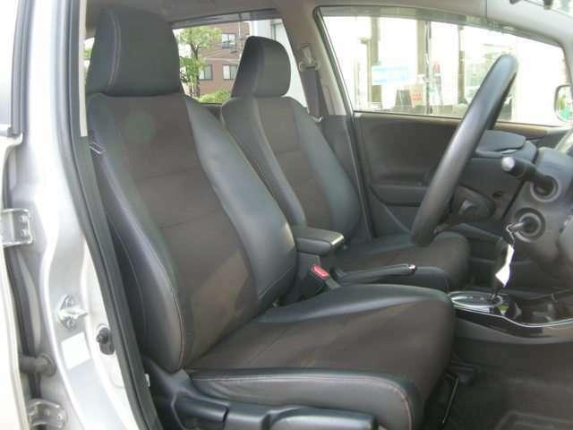 程度の良い車を安心価格でご提供できるよう心がけております!