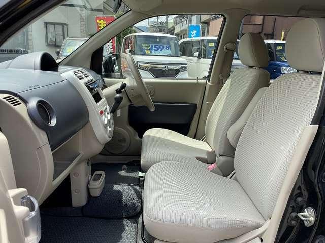 ★助手席シートの状態も運転席同様、良好な状態です♪