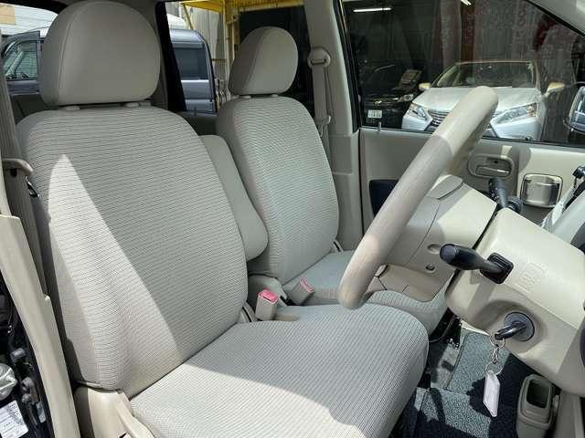 ★運転席シートの状態良好です♪気持ちよくお乗り頂けます♪