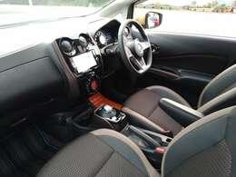 e-POWERオリジナルのシフトノブが特徴の車内。