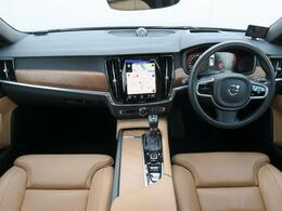 2017年モデル『V90T6AWDインスクリプション』が入庫しました!Bowers&Wilkinsプレミアムサウンド、チルトアップ機構付パノラマサンルーフを装備!ポールスター導入済の1台です!!
