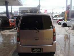 プライバシーガラス装備車です。エアコンの効き向上 内装の色あせ防止などに活躍します。