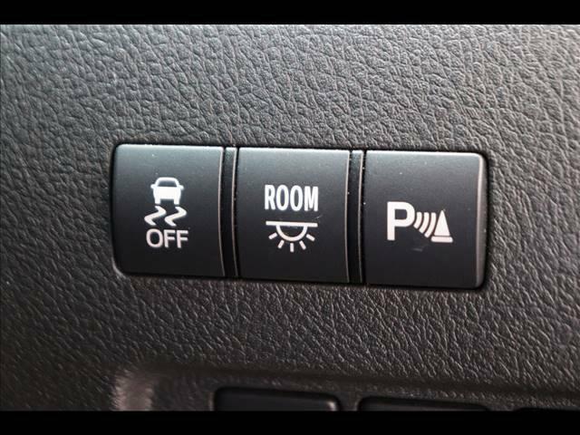コーナーセンサー搭載で駐車も簡単ですね!