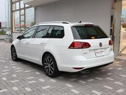 Golf Variantは安全性、デザイン、装備レベルの高さで世界基準車とも評されています。ぜひお確かめ下さいませ。