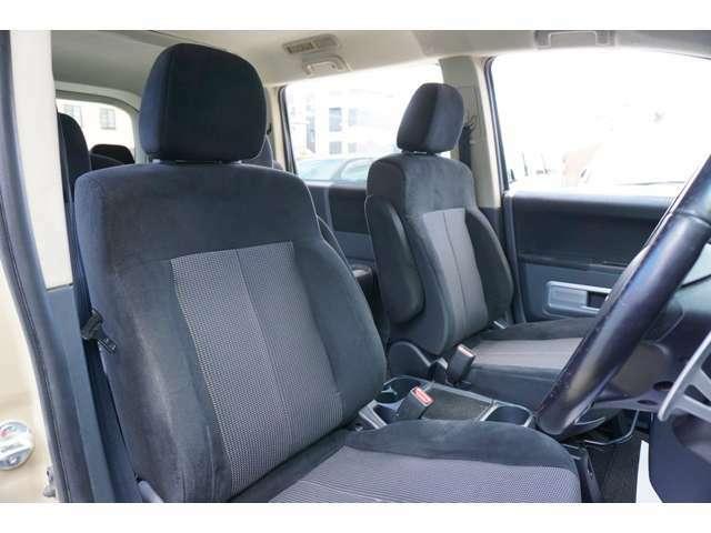 ★運転席シートのコンディションをご確認下さい!!★
