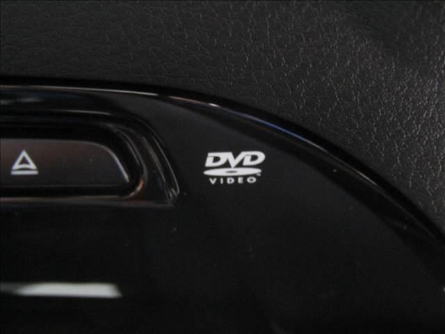 DVDの再生やフルセグチューナー装備。