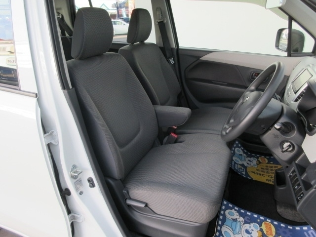 お納車前には車内のクリーニング、外装の磨き上げと簡易コーティングが施工されますので、気持ち良く新しいカーライフがスタートできます。