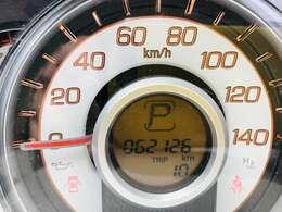 走行距離62000km。走行距離も1桁台ですので、まだまだ長くお乗り頂けるお車となっております。