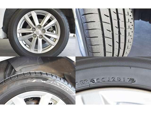 純正17インチアルミホイール&215/60R17(BRIDGESTONE製プレイズPX-RV)タイヤ装着※残り溝:フロント7mm リヤ7mm 左前アルミホイールにガリ傷あります