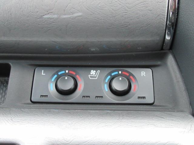 運転席・助手席にシートヒーターを装着!