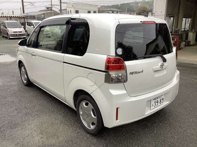 南関ICより車で10分!!常時在庫40台程度そろえております!!高品質な車から安くてお買い得な車まで幅広く取り揃えております!!