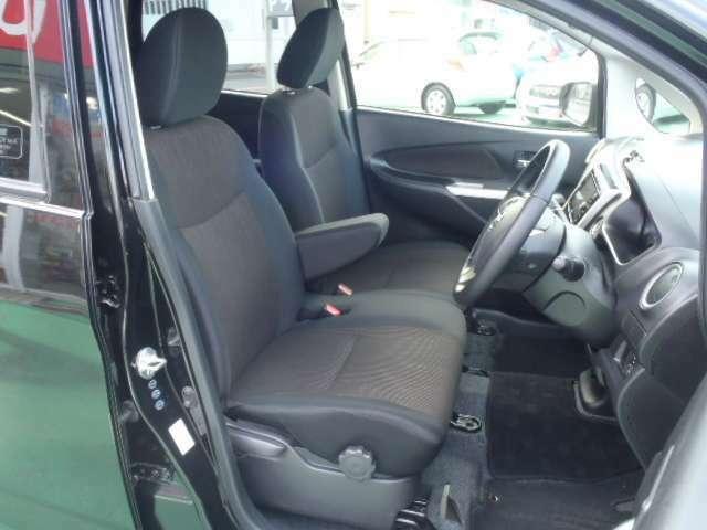 乗り込んだ瞬間に上質さに包まれるデイズのフロントシート!!ドライバーを優しくサポートしてくれます!