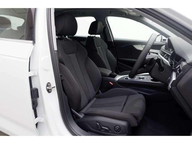 シートは通気性の良い素材を採用しております。