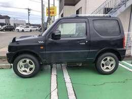 安目のジムニーはいかがでしょうか。当店の掲載車をご覧頂き、誠にありがとうございます。認証工場も完備で修理、車検、事故などの対応も任せて下さい。