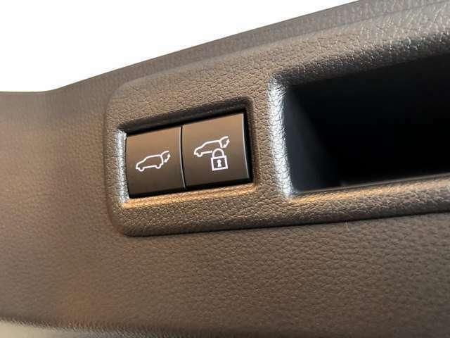 メーカーオプション JBLナビ・アクセサリーコンセント付き 新車オーダーも可能ですのでグレード変更、オプション追加など別途差額で変更可能です。