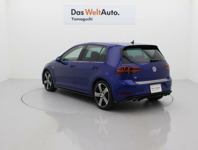 フルタイム4WD『4MOTION』により高次元の安定感を誇ります。