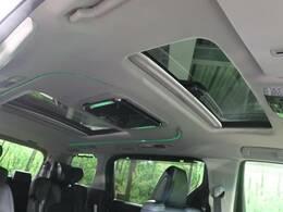 【ムーンルーフ】車内には解放感が溢れ、爽やかな風や太陽の穏やかな光が差し込みます☆