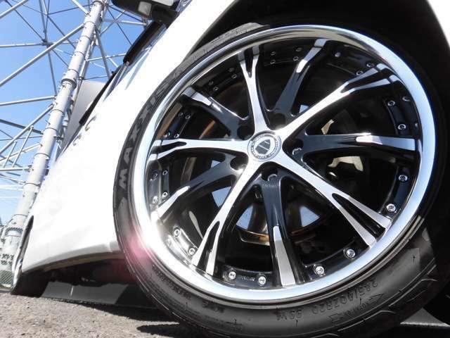 安心!新品タイヤにてご納車いたします!ローダウン&WORKシュバート20インチアルミでドレスアップされています!