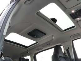 【 MOP ツインムーンルーフ 】開放感溢れる空間でドライブを楽しみませんか?