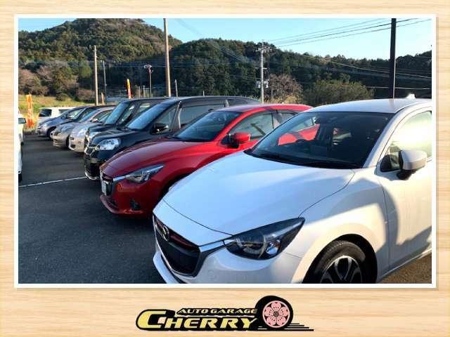 展示場です。幅広い車種を揃えてます。注文販売も対応しております。