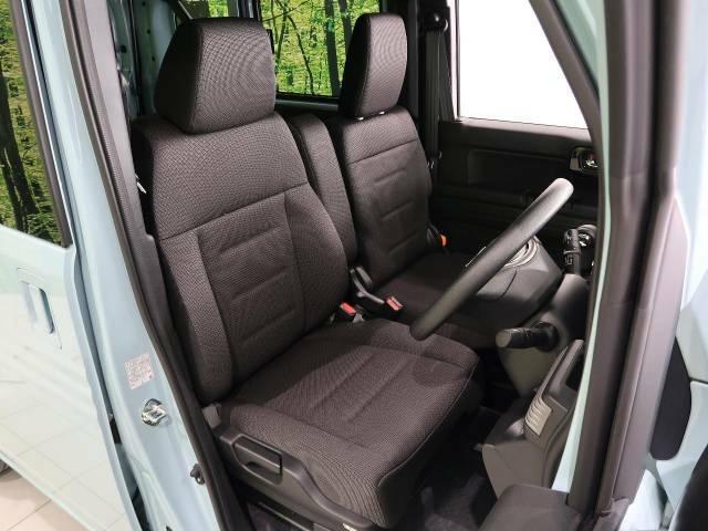 【ベンチシート】人気のフロントベンチシートタイプ♪足元もゆったり、車内も広々快適です!もちろん助手席への移動も楽々可能です!